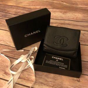 Chanel Cc logo caviar skin Bifold black wallet.